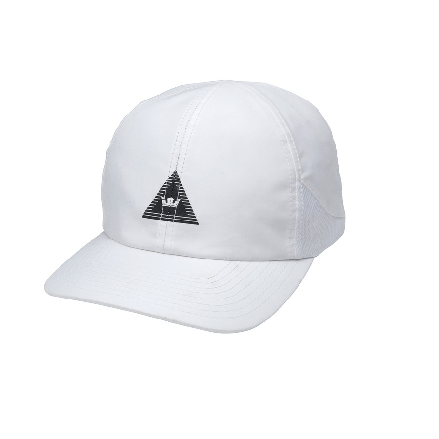 TRIANGLE CROWN HAT